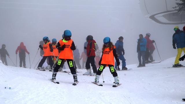 Ilgazda geleceğin kayakçıları yetişiyor