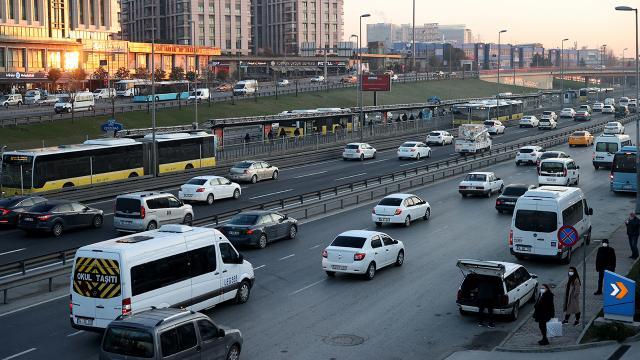 İstanbulda kısıtlama sonrası trafik yoğunluğu yüzde 62 oldu