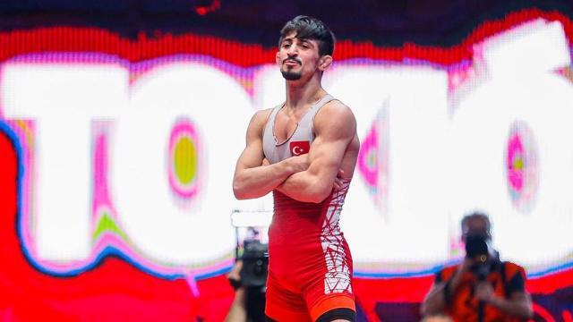 Milli güreşçilerden 2 madalya daha