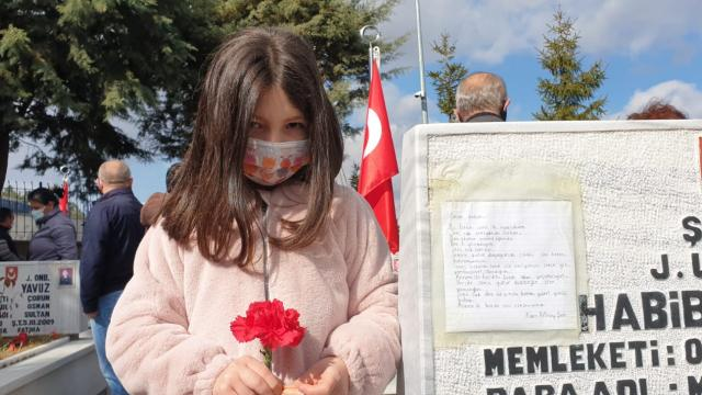 İlk mektubunu şehit babasına yazdı: Benim kahramanımsın