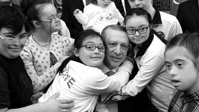 Cumhurbaşkanı Erdoğandan Down Sendromu Günü mesajı