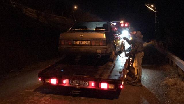Polisten kaçmaya çalışan otomobil kanala düştü