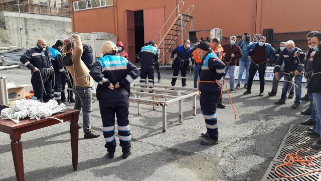 Bağcılarda uygulamalı arama kurtarma eğitimi yapıldı