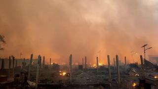 Arakanlı Müslümanların kaldığı kamp yakınında yangın: 3 ölü