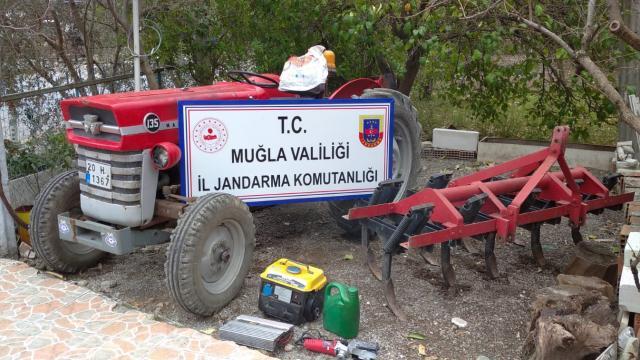 Köyceğizde çalınan traktör JASAT ekiplerince ormanda bulundu