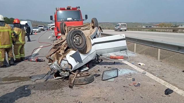 Ters yöne giren otomobil kazaya neden oldu: 1 ölü, 3 yaralı