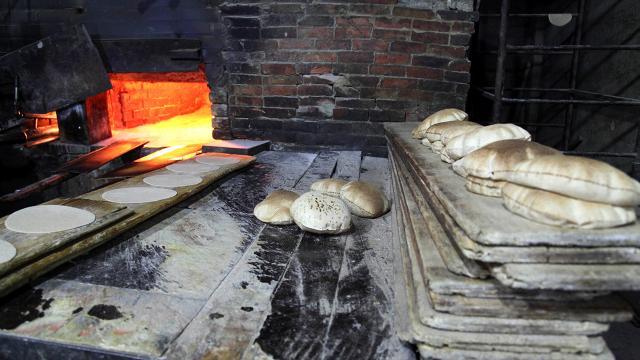 Lübnanda ekmek fiyatı ikiye katlandı