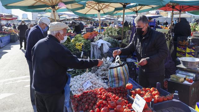 Eskişehirde 65 yaş üzeri vatandaşlara semt pazarı kısıtlaması
