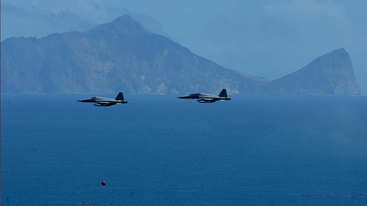 Tayvan'ın hava sahası 25 Çin savaş uçağı tarafından ihlal edildi
