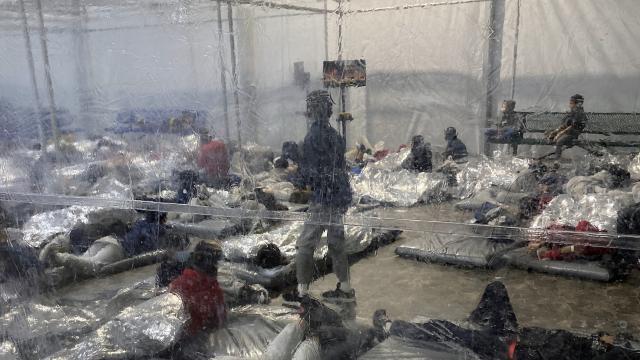 ABDde göçmen çocuk krizi: Sağlıksız koşullarda yaşıyorlar