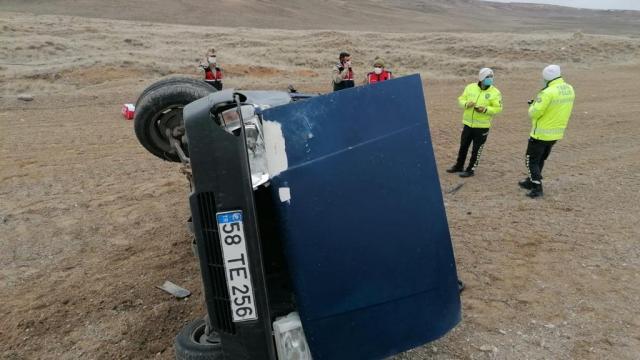 Sivasta otomobil devrildi: 1 yaralı