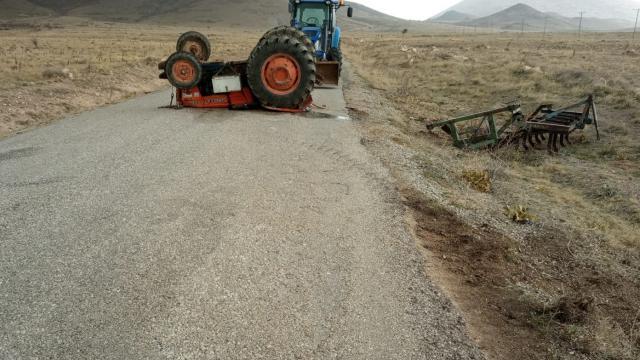 Karamanda devrilen traktörün sürücüsü hayatını kaybetti