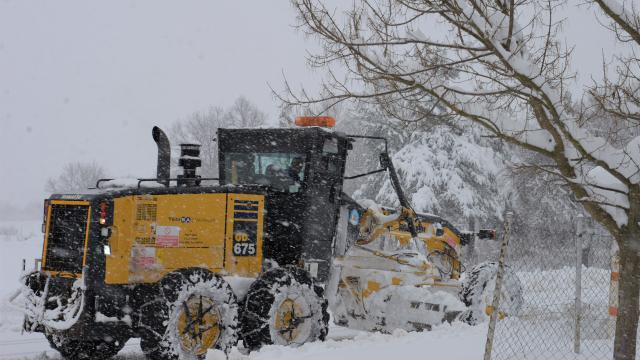 Bilecikte yoğun kar nedeniyle 13 köy yolu ulaşıma kapandı