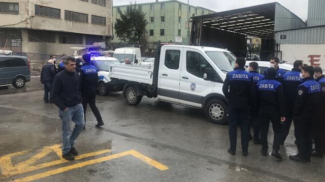 İzmirde 3 zabıta memuru denetim sırasında saldırıya uğradı