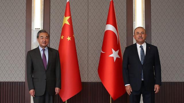 Çin Dışişleri Bakanı Türkiyede