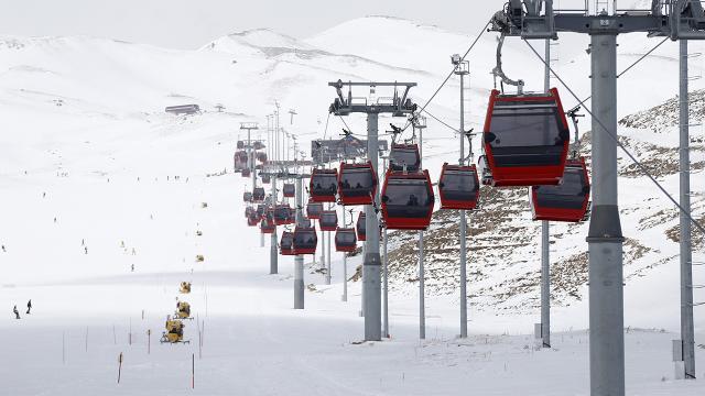 Erciyeste kar kalınlığı 1,5 metreyi geçti