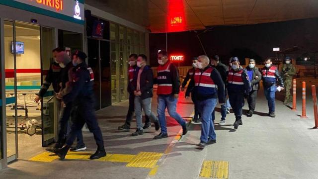53 il ve KKTCde FETÖ operasyonu: 41 tutuklama