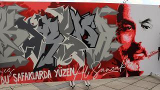 İstiklal Marşı ve Mehmet Akif grafitiyle anlatılacak