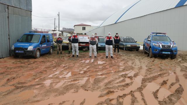 Bayburtta otomobil dolandırıcılığı operasyonunda 22 şüpheli yakalandı