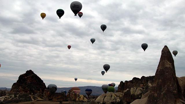 """Kapadokyada balon turlarına """"olumsuz hava"""" engeli"""