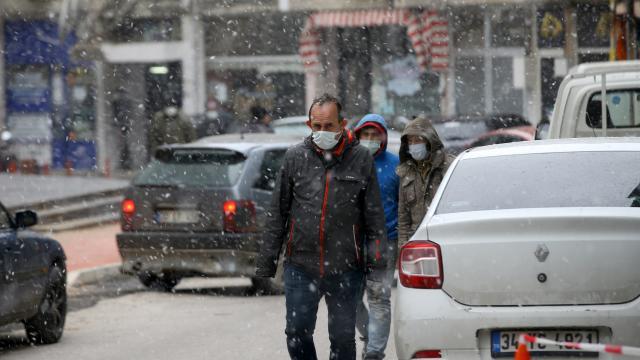 Kırklarelinde kar yağışı