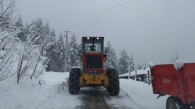 Hendekte karla mücadele çalışmaları sürüyor