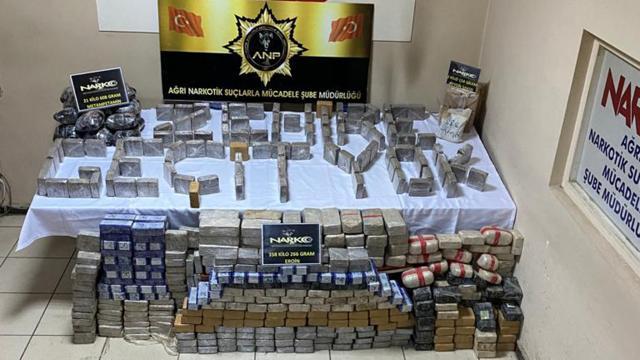 Saman yüklü kamyonetten 358 kilo uyuşturucu çıktı