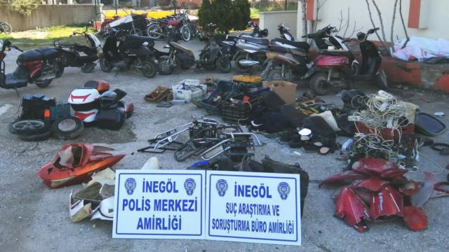Bursada çaldıkları motosiklet ve elektrikli bisikletleri parçalayıp satan 5 şüpheli tutuklandı