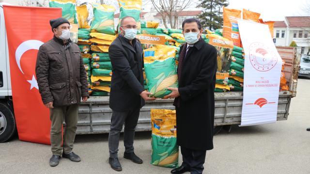 Boluda çiftçiye dane mısır tohum desteği yapıldı