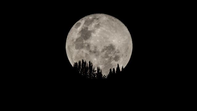 Dünya, Süper Ayı izlemeye hazırlanıyor