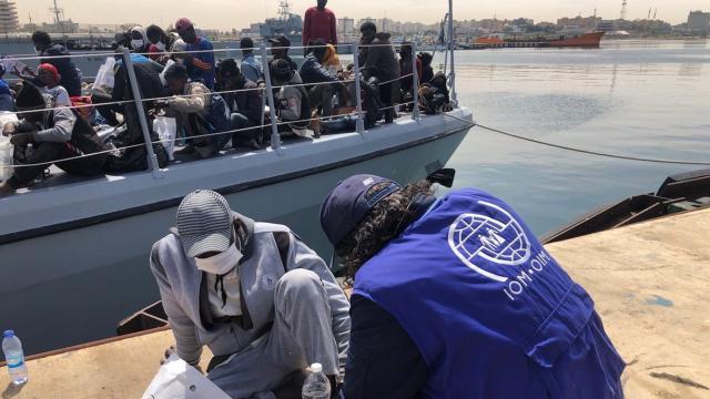 Libya açıklarında yaklaşık 1000 düzensiz göçmen yakalandı