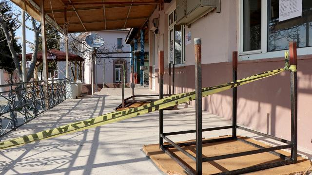 Edirnede vakalar arttı: 3 okulda eğitime ara verildi, 1 köy karantinaya alındı