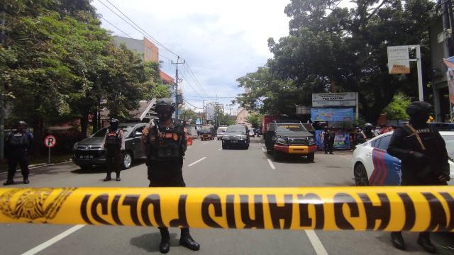 Endonezyada kiliseye bombalı saldırı