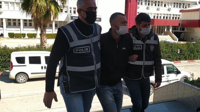Adanada ATMde işlem yapan kişinin parasının gasbedilmesi güvenlik kamerasına yansıdı
