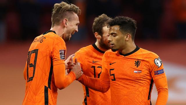 Hollanda Letonyayı iki golle geçti