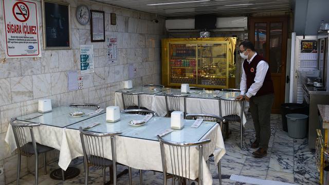Çok yüksek riskli illerde lokantalar yeni tedbirlerle kapılarını açtı