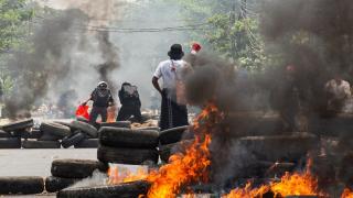 Myanmar'da darbe karşıtı gösteriler sürüyor: Can kaybı 716 oldu