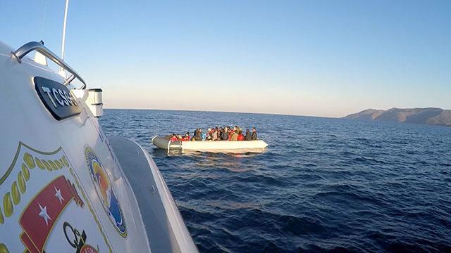 Yunanistanın ölüme terk ettiği 82 sığınmacı kurtarıldı