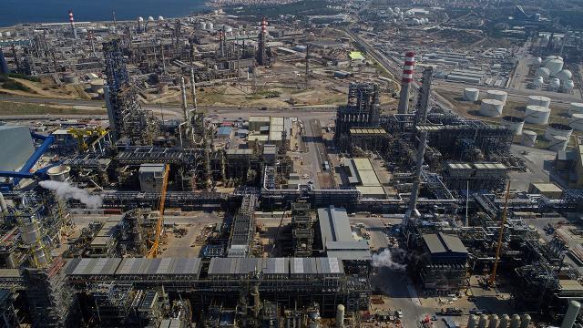 Petrol ithalatı ocak ayında yüzde 24,7 azaldı