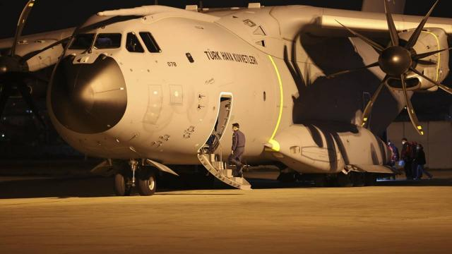 Arakanlı Müslümanlara yardım taşıyan uçak Ankaradan havalandı