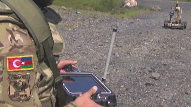 Bitliste teröristlere ait patlayıcılar ile 22 el bombası imha edildi