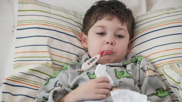 Çocuklarda baharla artan rahatsızlıklar COVID-19 endişesi yaratıyor