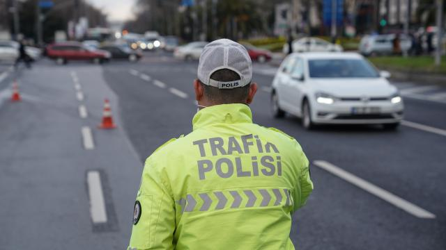 Malatyada Covid-19 tedbirlerini ihlal eden 27 kişiye 24 bin 300 lira ceza uygulandı