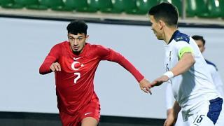 Antalyaspor'da Gökdeniz Bayrakdar ameliyat edildi