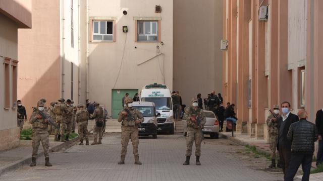 Şırnakta PKKlı teröristlerin tuzakladığı patlayıcının infilak etmesi sonucu bir çoban hayatını kaybetti