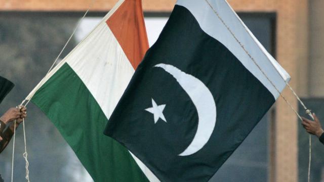 Pakistandan Hindistana tıbbi ekipman yardımı teklifi