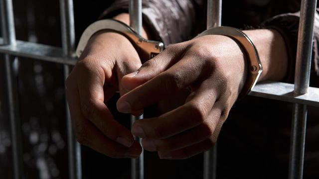 Muğla merkezli operasyonda FETÖ üyelerini yurt dışına kaçırdıkları iddia edilen 5 şüpheli yakalandı