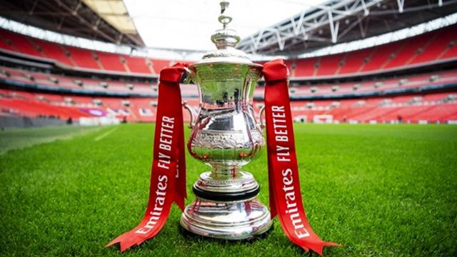 İngiltere Federasyon Kupası yarı finali 4 bin taraftarla yapılacak