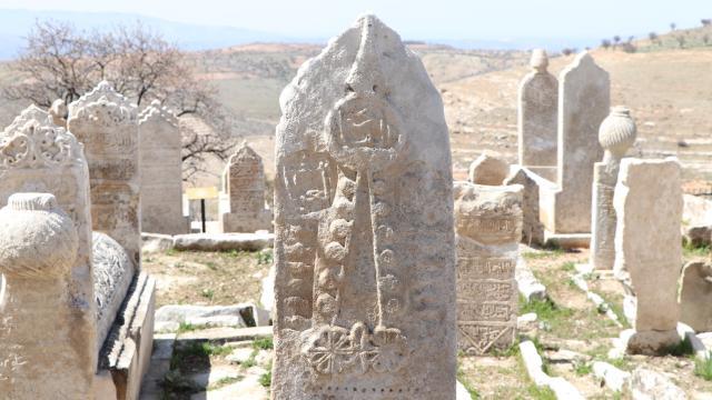 Siirtte 250 yıllık mezarlık restore edildi