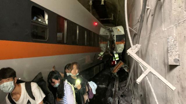 Tayvandaki tren kazasıyla ilgili soruşturma başlatıldı
